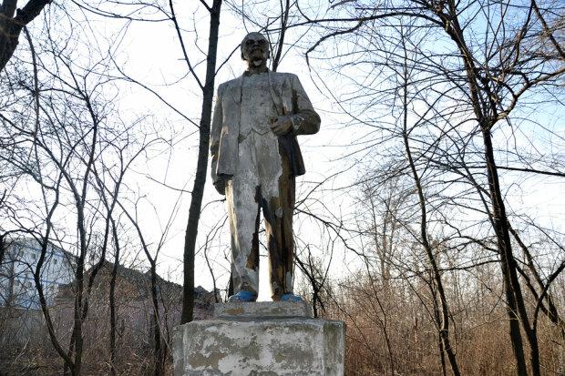 Сховався від декомунізації: в Одесі розсекретили місце останнього Леніна, відео