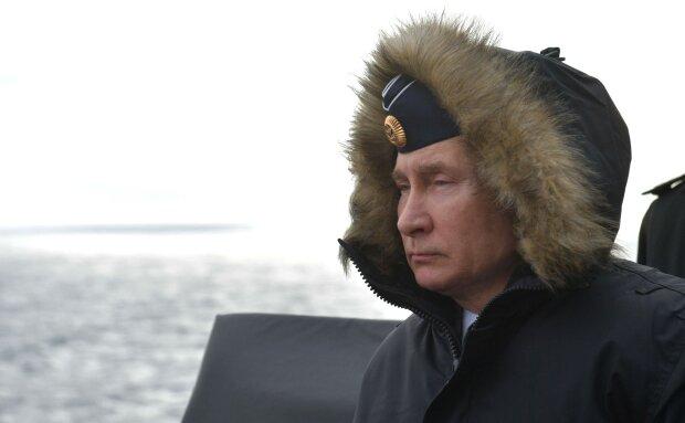"""Путін яскраво оконфузився з авіаносцем, від цієї ганьби вже не відмитися: """"Суцільний дурдом"""""""