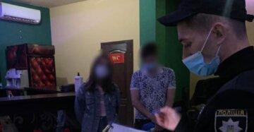 """Молоду парочку застукали за непристойним заняттям в Одесі, кадри: """"світить до 5 років"""""""