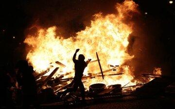 протест огонь жгут шины покрышки бунт