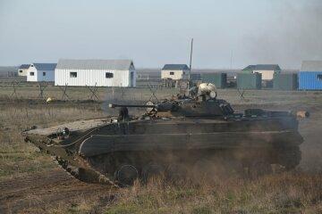 """Одеські бійці взяли штурмом захоплене """"ворогом"""" селище: кадри зачистки"""