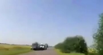 На Одесчине скорая с 4-х месячным ребенком попала в ДТП: момент попал на видео