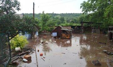 """""""Вулиці перетворилися на річки"""": сильна злива обрушилась на Одещину, кадри нищівної стихії"""