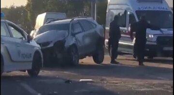 Lexus на полном ходу протаранил авто с военными, много пострадавших: кадры масштабного ДТП под Одессой