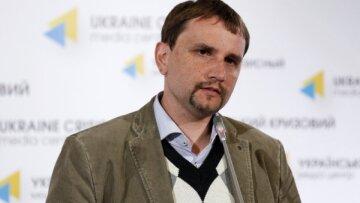 Телетайп: про володаря доль Володимира В'ятровича та кнопочку на тім'ячку