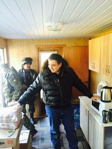 Саакашвили: обустроенные мною блокпосты в Мариуполе исчезли (фото)
