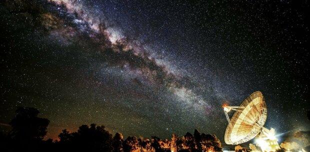 космос, сигналы, ночь