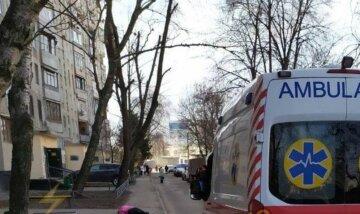 """""""Травмы несовместимые с жизнью"""": в Харькове мужчина выпал из 12-го этажа, фото трагедии"""