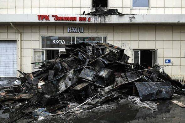 Погибших около 400, морги забиты телами детей: эту запись о трагедии в Кемерово скоро удалят