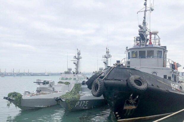Путин возвращает Украине захваченные корабли, уже пройден Крымский мост: в сети появилось видео