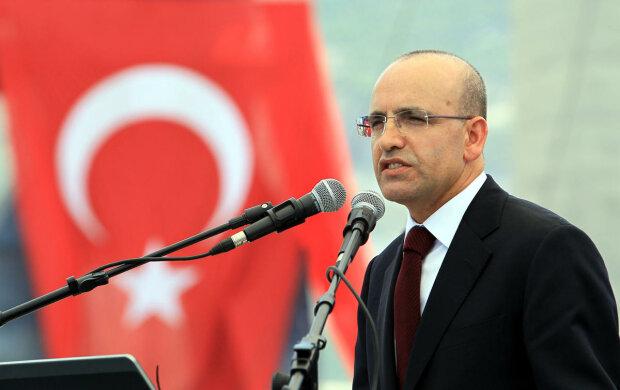 Заместитель премьер-министра Турции Мехмет Шимшек