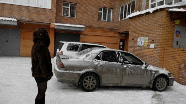 """Киевляне жестко отомстили герою парковки, фото наказания: """"Лучше бы сожгли"""""""