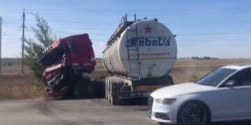 2019-09-29 15_01_51-Страшное ДТП — в Одесской области грузовик врезался в маршрутку _ СЕГОДНЯ
