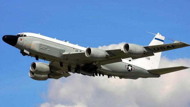 Американські літаки злетілися до Криму