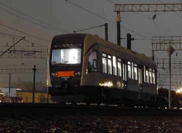 """НП з поїздом """"Укрзалізниці"""": знаменитий """"Бориспільський експрес"""" зійшов з рейок, кадри"""