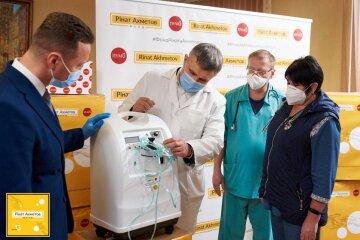 Борьба с COVID-19: Фонд Рината Ахметова передал помощь более чем в 200 населенных пунктов Украины