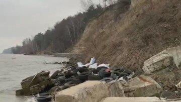 """Киевское водохранилище оказалось под завалами мусора: """"пейзажи"""" возмутили жителей столицы"""