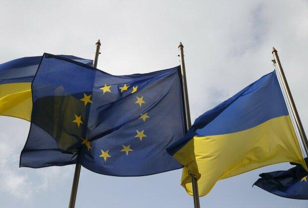 Украина-ЕС-флаг