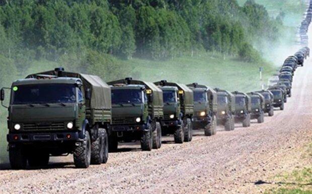 """Россия перебросила в Украину огромную колонну военной техники, данные разведки: """"на Донбасс прибыло..."""""""