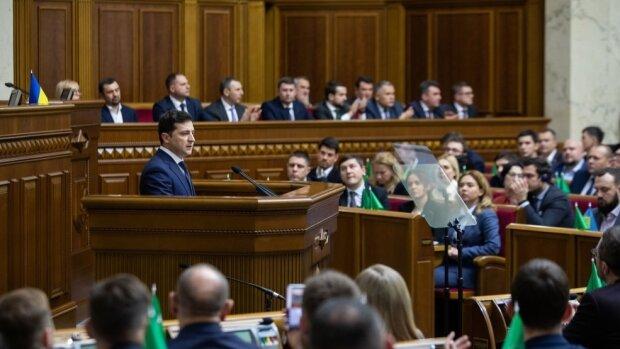 """""""Я не впорався"""": коаліції більше немає, Зеленському сказали записати прощальне відео"""