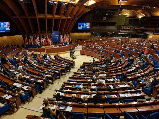 Головне за ніч: скандал в ПАРЄ через Росію і криваве захоплення парламенту