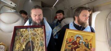 Одесские священники ударили по коронавирусу из воздуха: кадры битвы с инфекцией