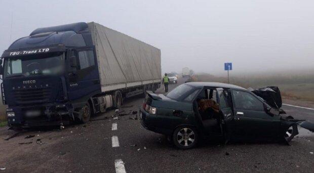 """""""Виїхав на зустрічку"""": руйнівна ДТП на Одещині, є жертви"""