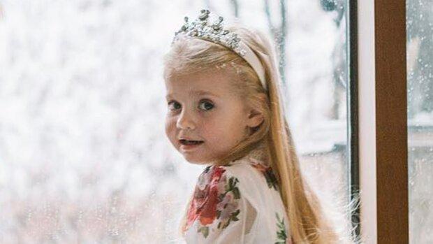 """Маленька донька Пугачової вирішила втекти з Росії, Галкін вразив новим відео: """"Я готова..."""""""