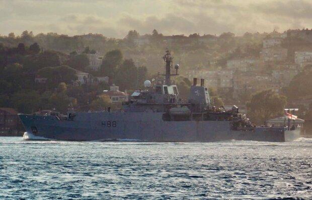 Військові кораблі НАТО увійшли в Чорне море, війська РФ напоготові: кадри того, що відбувається