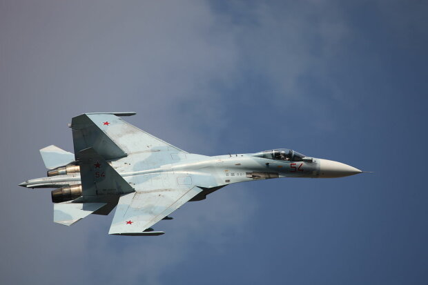 1200px-Su-27SM3_in_flight,_Celebration_of_the_100th_anniversary_of_Russian_Air_Force