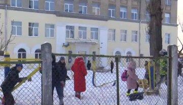 В Киеве школы и детсады оказались под угрозой закрытия: что стало причиной