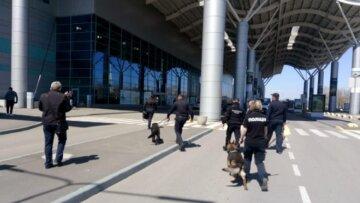 Багаж загорівся в аеропорту Одеси: кадри НП