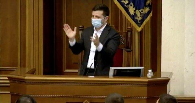 """Зеленський у змові з Порошенком і """"Голосом"""" змусив Раду прийняти закон про землю: """"Мало не плакав"""", фото"""