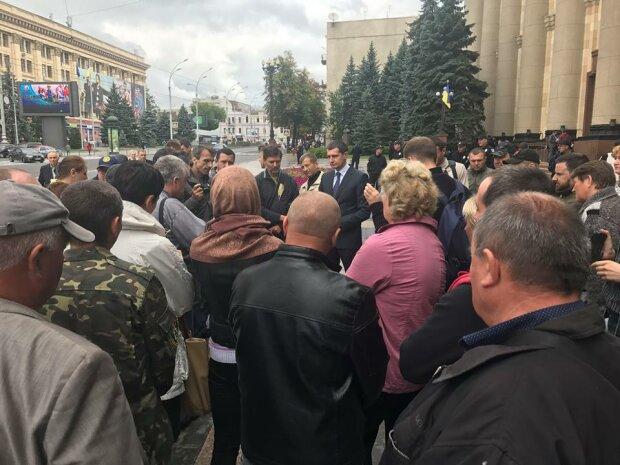 Украину охватил массовый протест: что происходит