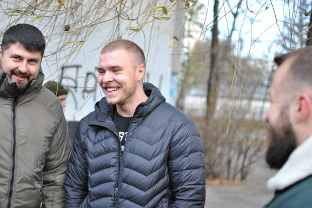 """Трьох """"харківських робінгудів"""" звільнили з СІЗО: в Нацкорпусі розповіли про перше справедливе рішення суду"""