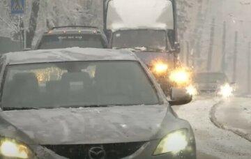 Одеську область вкрило першим снігом за день до зими: кадри, що зачаровують