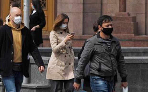 Крах доллара, «лопнувший» банк и новые сроки ослабления карантина в Украине - главное за ночь