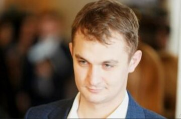Как во времена Януковича: депутат Зеленского сцепился с волонтерами, скандал набирает обороты