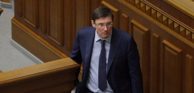 Юрий Луценко: революционер или коррупционер?