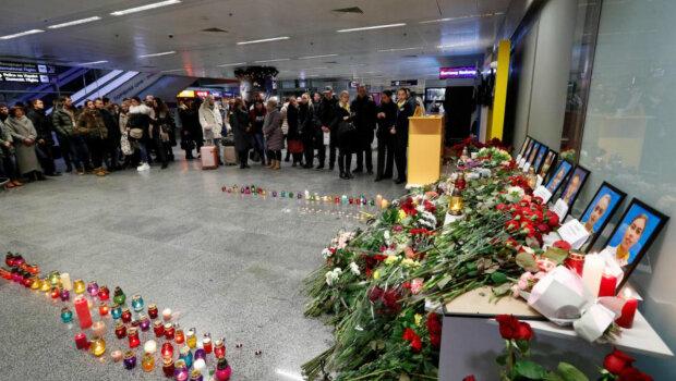 """Українці розлючені через рішення Гончарука щодо збитого Боїнга: """"витерли ноги об людей"""""""