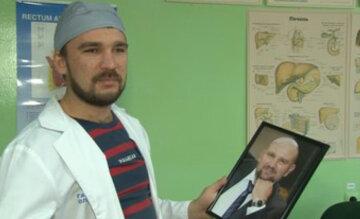 """""""Я відчуваю зв'язок з ним"""": український лікар втратив батька через вірус, але не здався і кинувся на передову"""