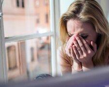 Люди-женщина-грусть