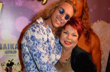 Тарзан с мамой Королевой