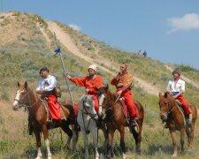 праздники 14 октября, День украинского казачества