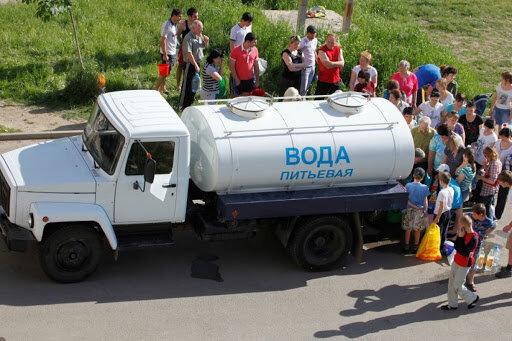 """Жители Крыма устроили битву за воду: """"Вычисляют, где..."""""""