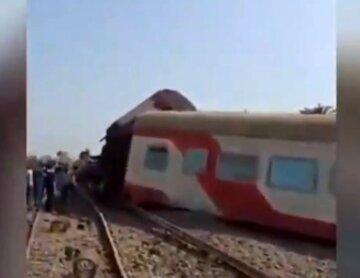 Поезд с пассажирами сошел с рельсов, более сотни раненых и много погибших: детали и кадры с места трагедии