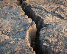 трещина землетрясение