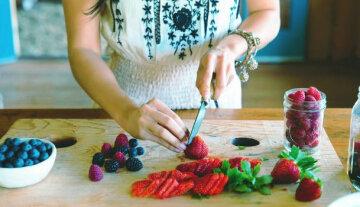 Best-Fruits-for-a-Diabetes-Friendly-Diet-01-1440×810-609×350