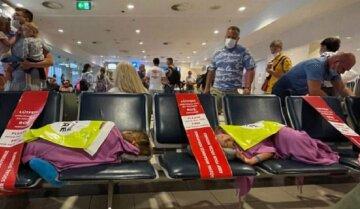 """Одесские туристы не смогли вернуться домой:"""" вода за 5 евро, еда- больше 10"""""""