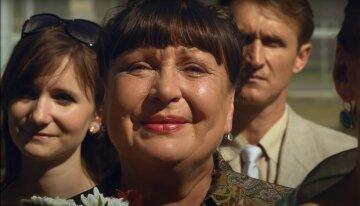 Валюха из «Сватов» не сдержала чувств и прильнула к Добронравову: «Вот она настоящая любовь»